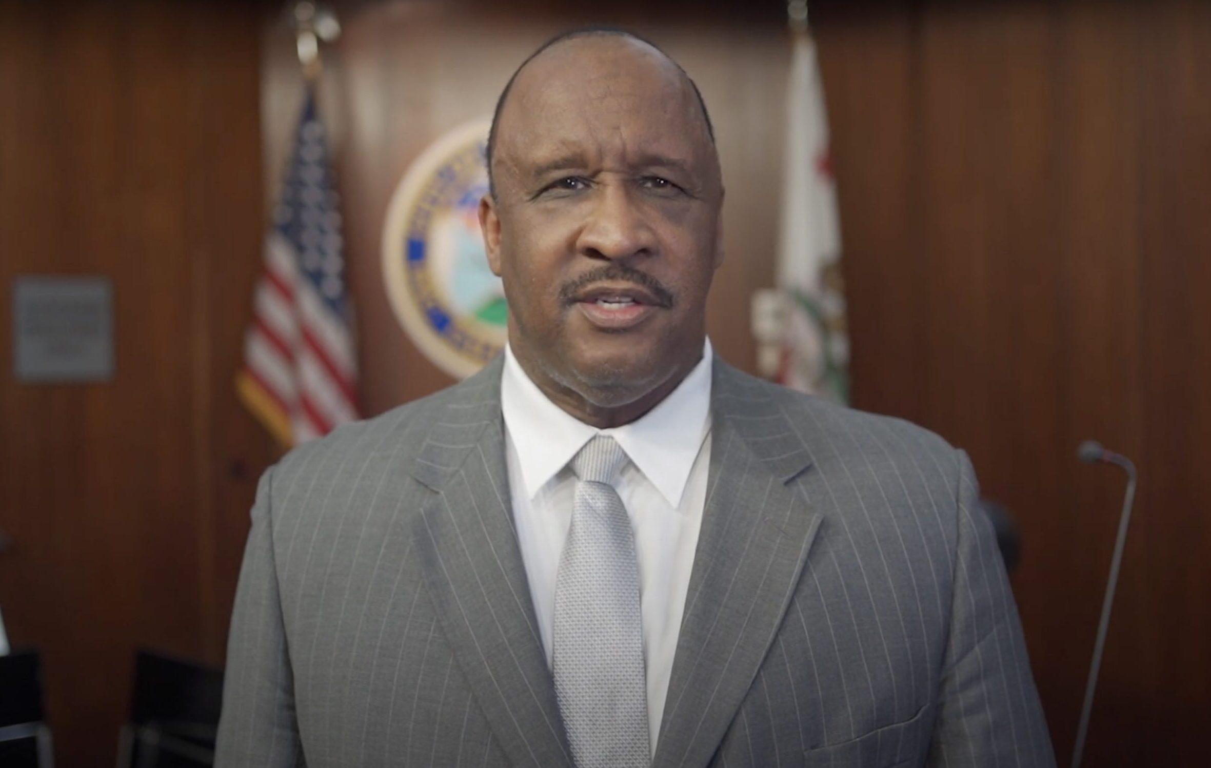 https://jamestbutts.com/wp-content/uploads/2020/08/MayorButts3-scaled-e1596837376757.jpg